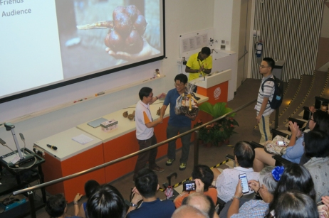 A Tokenof Appreciation for Dr Adrian Loo presented by A/Prof Lim Tit Meng, CE, Science Centre Singapore